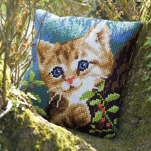 Cross stitch cushion kit Cat on a tree PN-0156599
