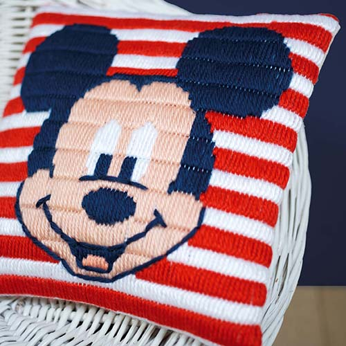 Long stitch cushion kit Disney Mickey Mouse PN-0169220